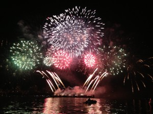 Vancouver fireworks show, boat tours